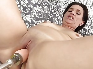 Grown up Streetwalker Michele Marks Gets The brush Pussy Splayed overwrought a Tackle