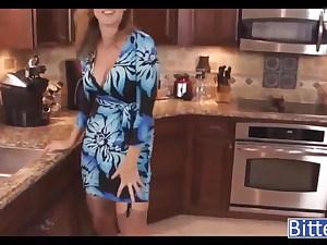 In kuche mit Stiefmutter