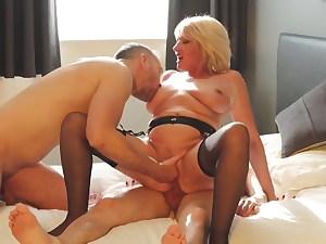 beautiful mature moms fuck men – homemade POV