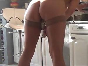 Skinny cougar using fuck stick