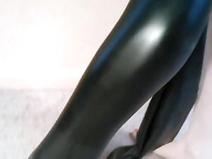 hot babe in her wonderful black spandex